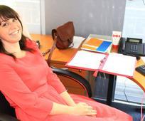 Rakel Nilsson a brüsszeli irodájában