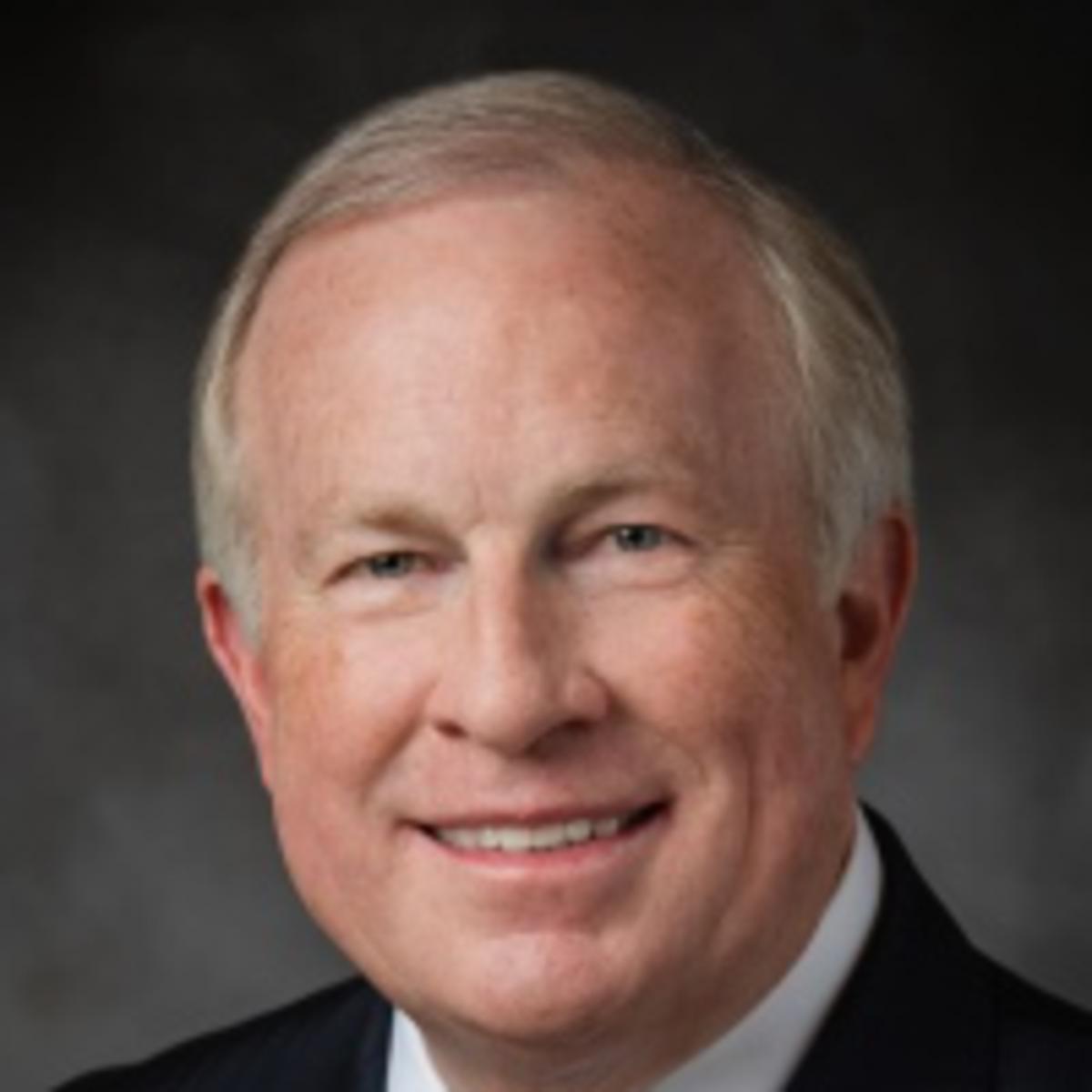 Vârstnicul Timothy J. Dyches