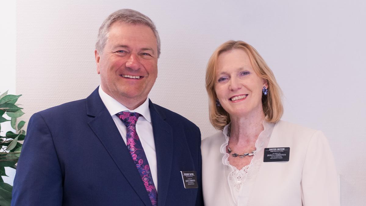 President Jo Buysse en zuster Linda Buysse-Vergauwen, België-Nederland zending