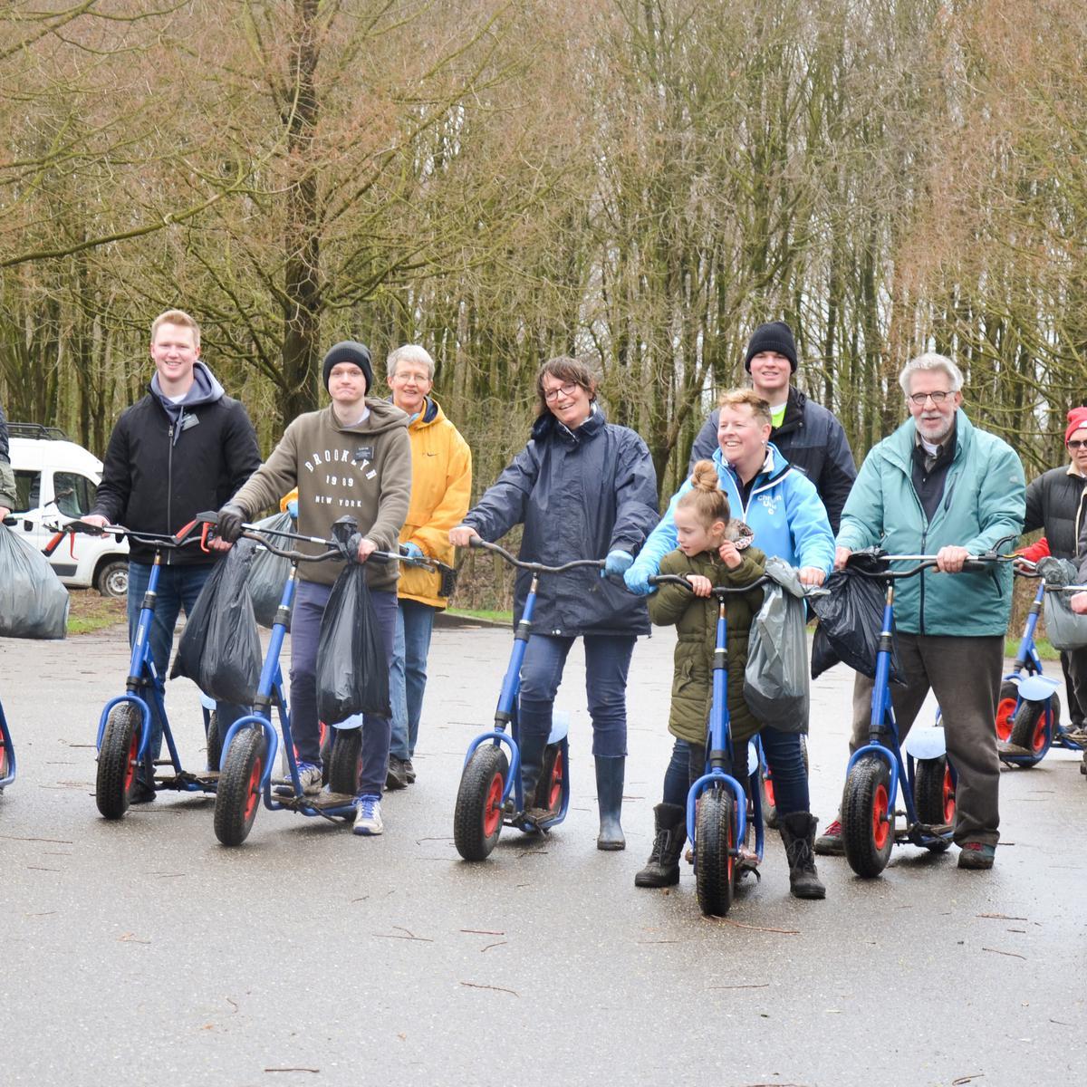 Wijk Rotterdam 1: Kinderboerderij 'De Blijde Wei' en zwerfvuil verzamelen in 'Het Hoge Bergsche Bos