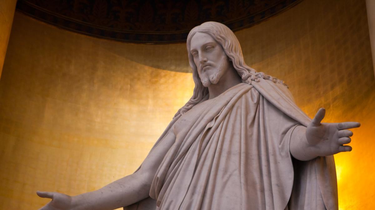 Het indrukwekkende Christusbeeld van Thorvaldsen staat in de Onze-Lieve-Vrouwekerk in Kopenhagen.