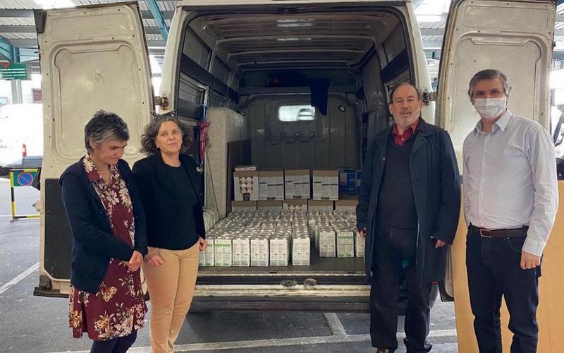 Tijdens de COVID-19-crisis de armen en behoeftigen helpen