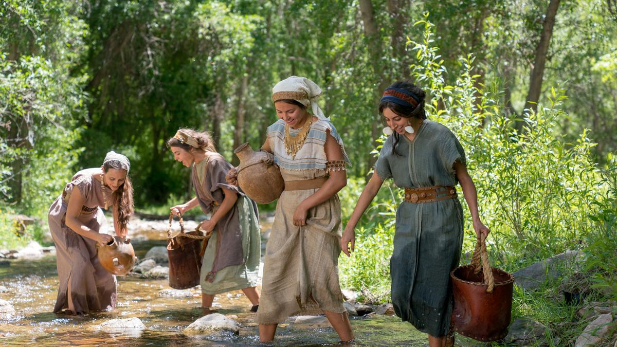 2-Een scène uit het begin van het Boek van Mormon, tijdens het filmen van de videoreeks over het Boek van Mormon nabij Springville (Utah, VS) in juni 2018.