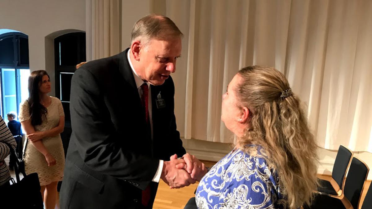 inger Jonassen møter president Hill