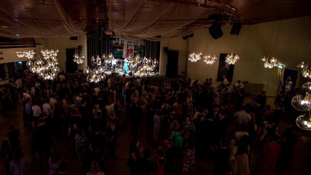 Kirken organiserer konferanser med anledning for unge voksne å treffe hverandre