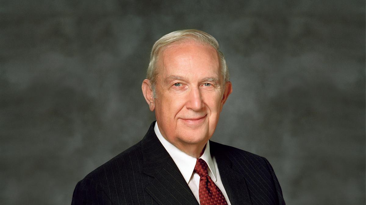 Vârstnicul Richard G. Scott a decedat la vârsta de 86 de ani
