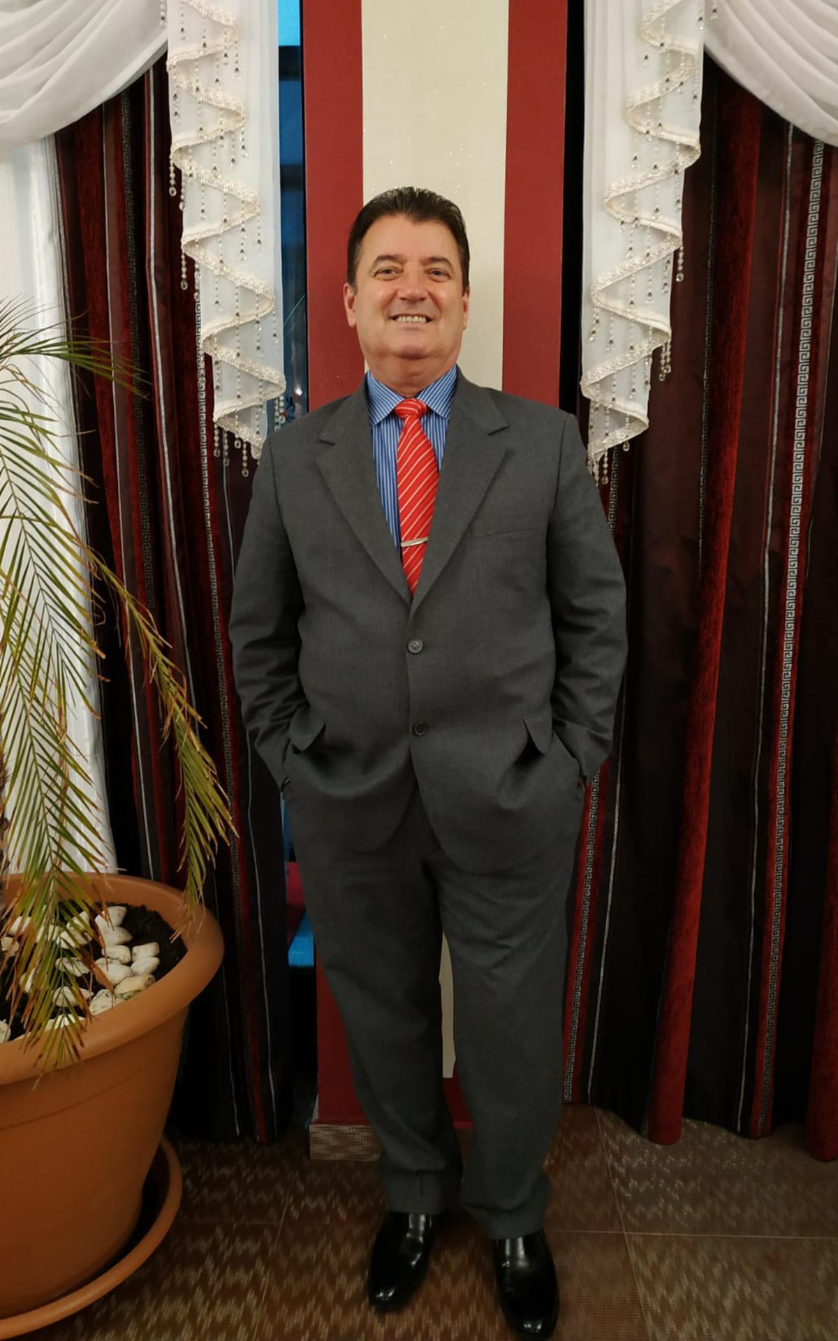 Nicu Jigolea, conducător local în România