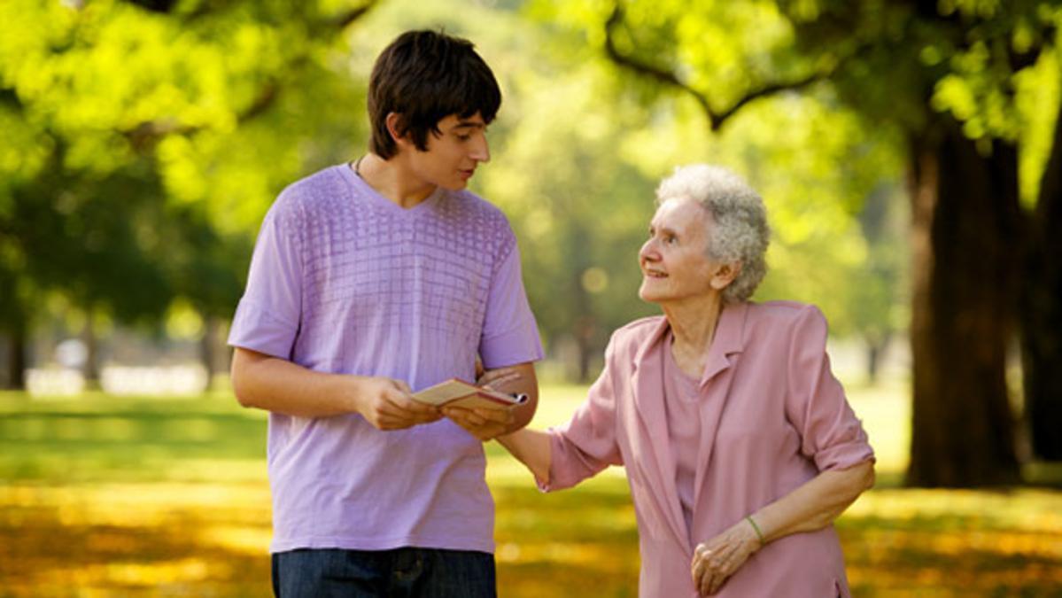 Campanie iniţiată în scopul de a aduna cele mai dragi povestiri despre bunica ta