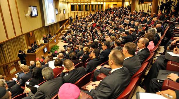 Pope_Francis_address_vatican_colloquium.jpg