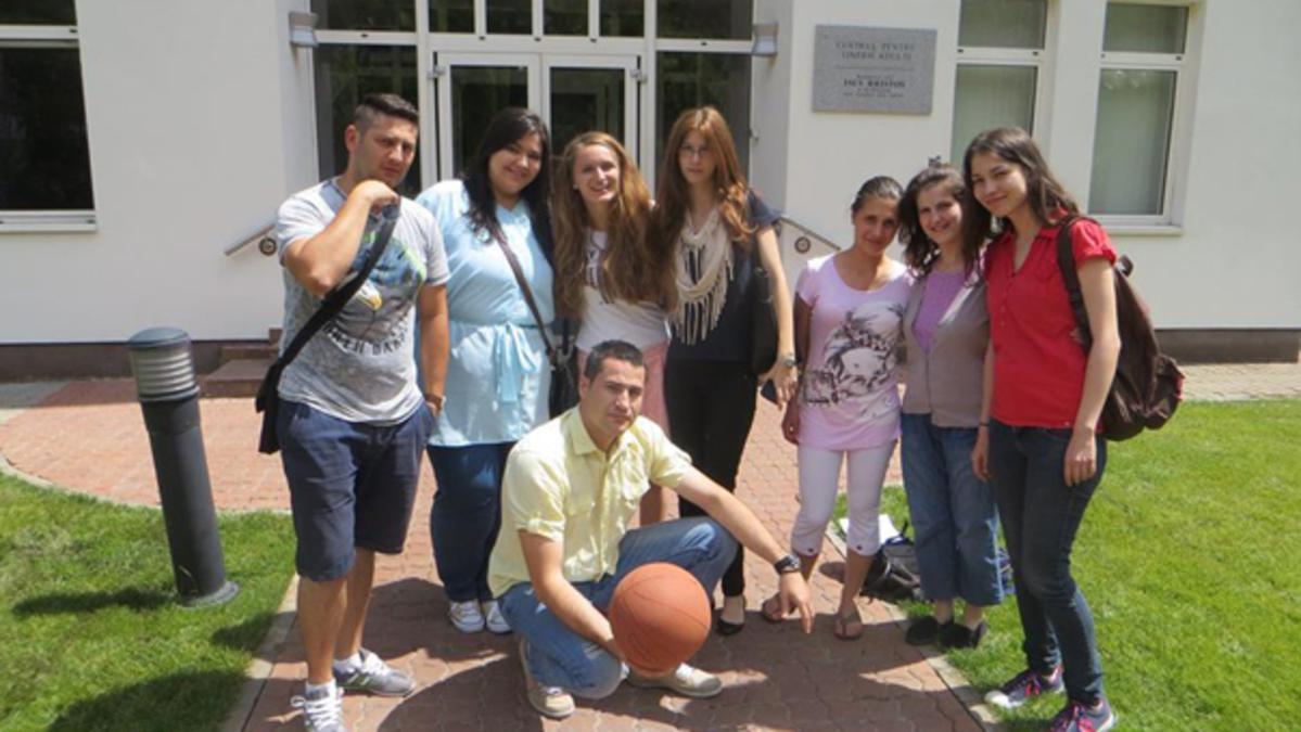 Activitate de premiere pentru cursanţii de seminar şi institut