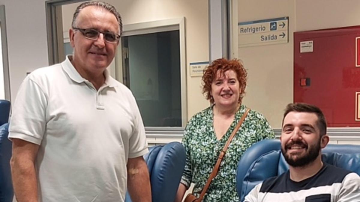 Miembros del barrio de Logroño reunidos para donar sangre.