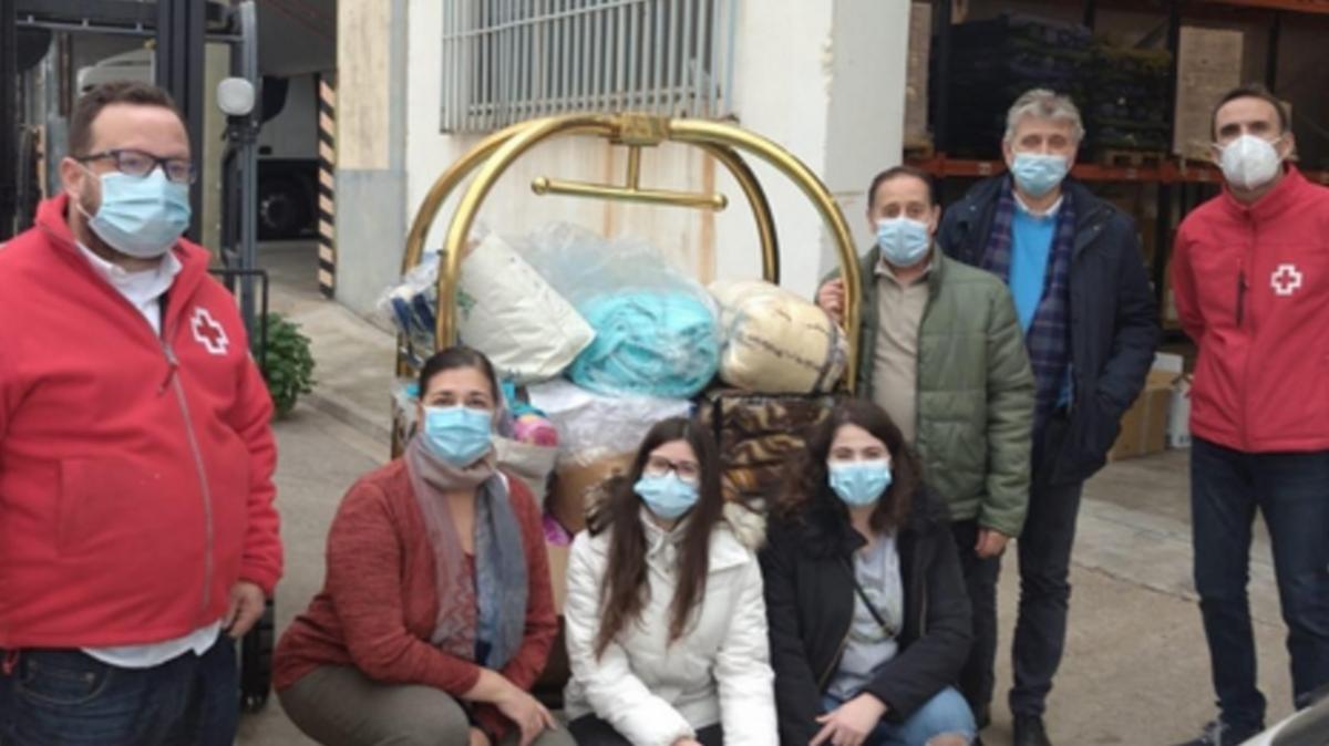 Participantes de la donación de mantas