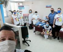 Miembros de la Iglesia de Cartagena donando sangre