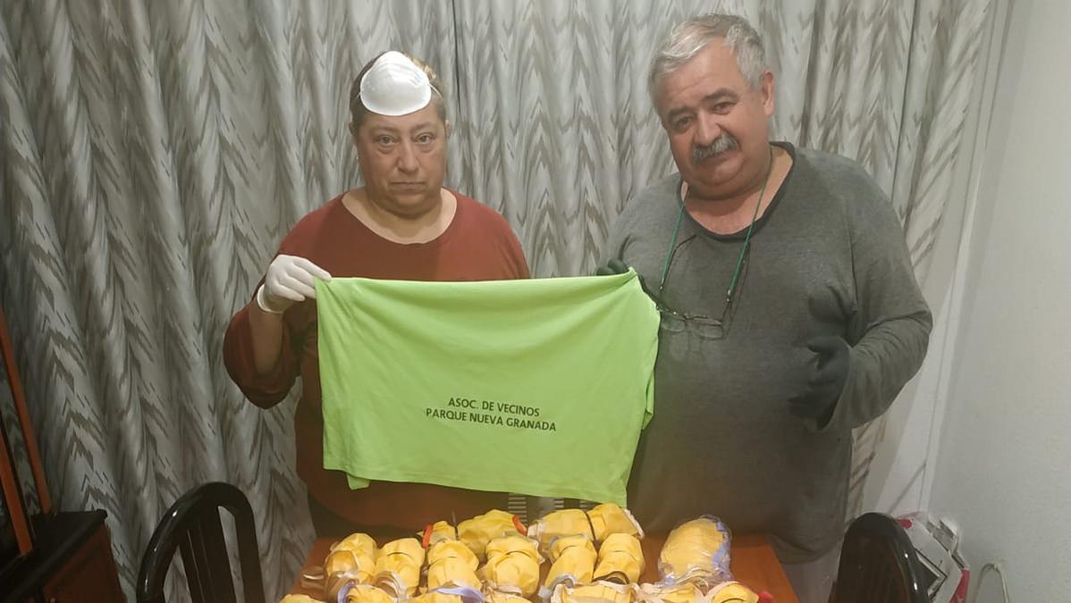 Dos de los donantes de mascarillas.