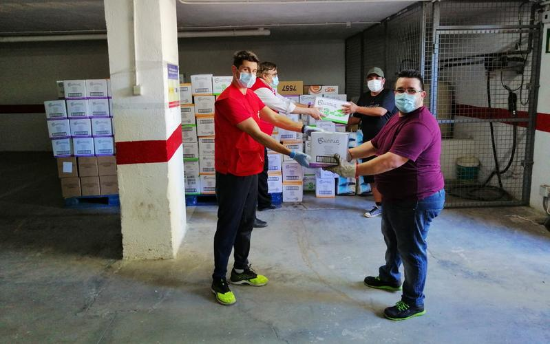 La Cruz Roja en Jaén recibe las donaciones.
