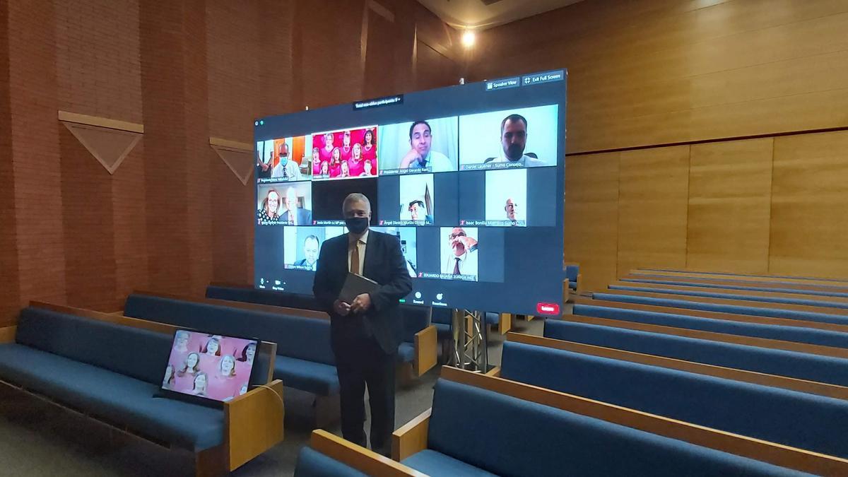El élder Kopischke en la conferencia multiestaca de Madrid Centro y Madrid Oeste por video conferencia