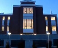 Fachada exterior del centro de reuniones de Tarragona.