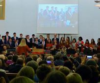 El coro en el concierto de Navidad.