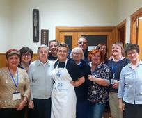 Voluntarios de la Iglesia y las Hijas de la Caridad