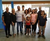 El alcalde de los Alcázares, Mario Cervera, la DAP junto con su esposo y sus dos hijas y la familia Carnicer- Mateo, una de las familias del Barrio Mar Menor.