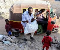 Don de nourriture en Somalie