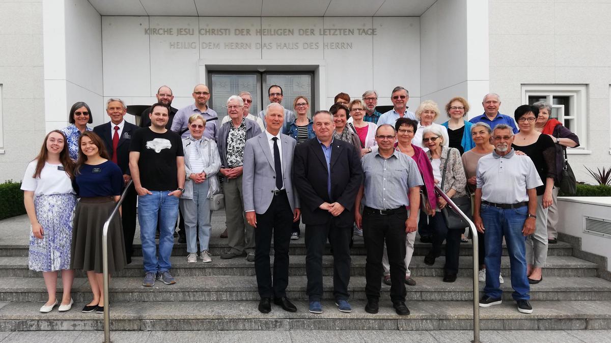 Besuch der Neuapostolischen Gemeinde Zollikofen