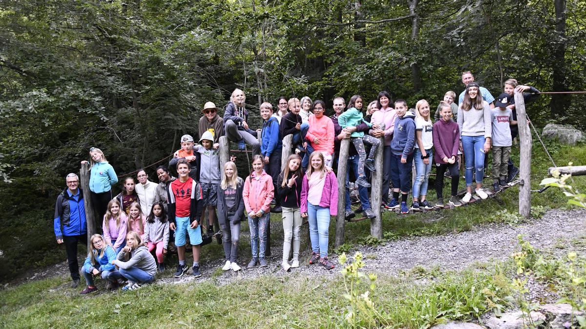 Die jüngsten Jugendlichen des Pfahls St. Gallen, Schweiz, verbringen ein unvergessliches Sommerlager in den Bergen
