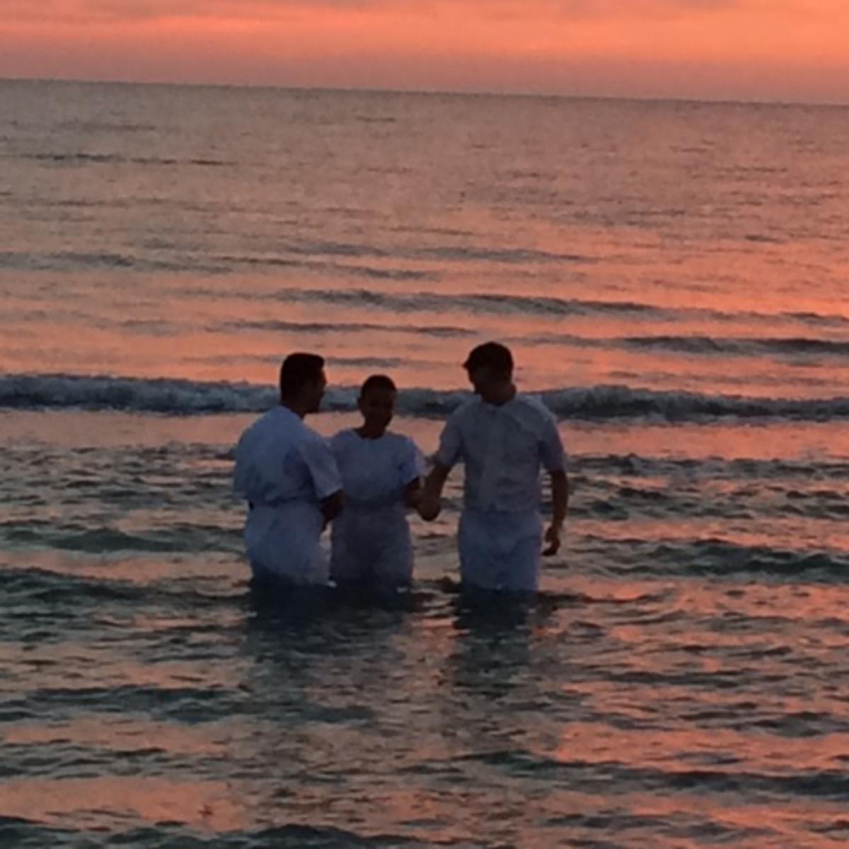 Taufe im Meer