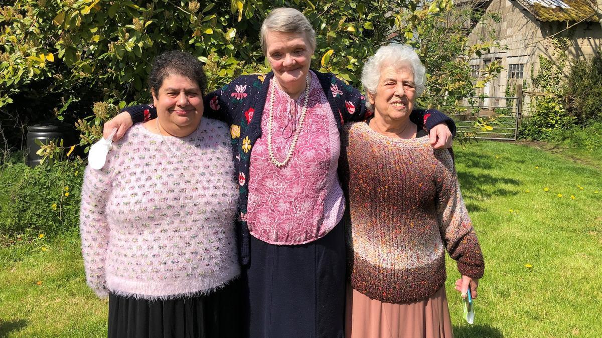 Mary Woods, Margaret Canham og Daphne Ellender