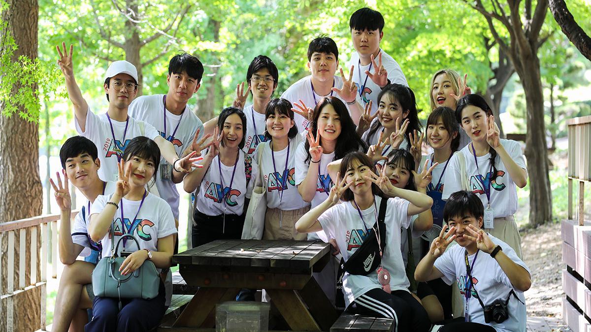 청년 대회에 참가한 청년들의 모습