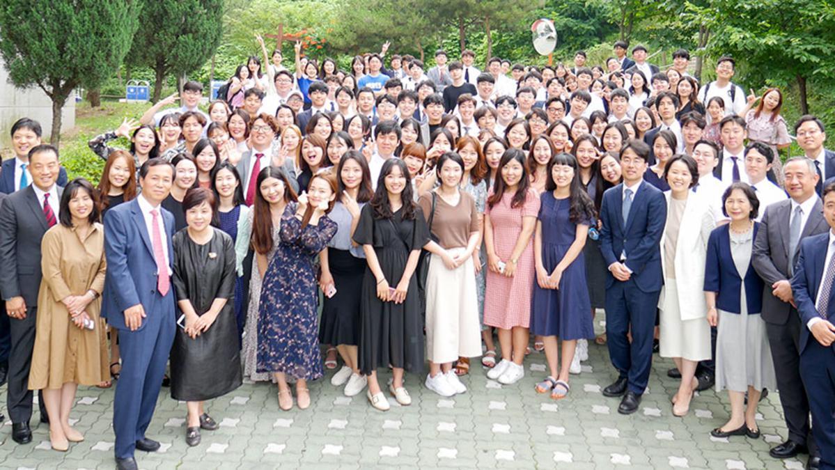 청년 대회 단체 사진