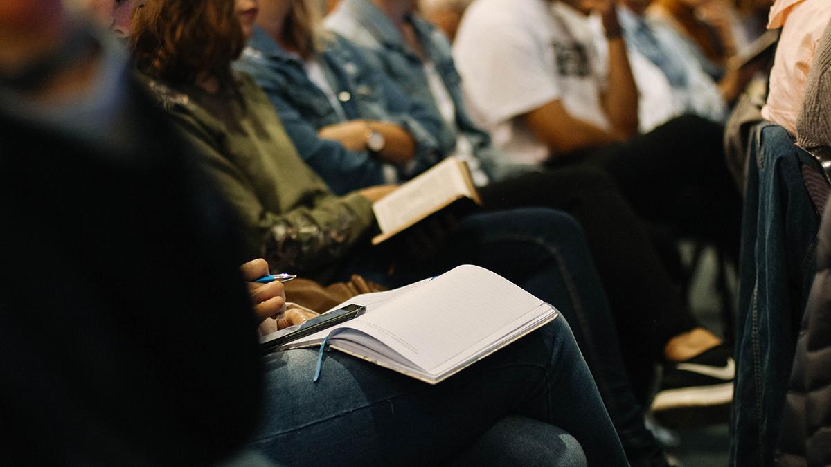 apgabala konference