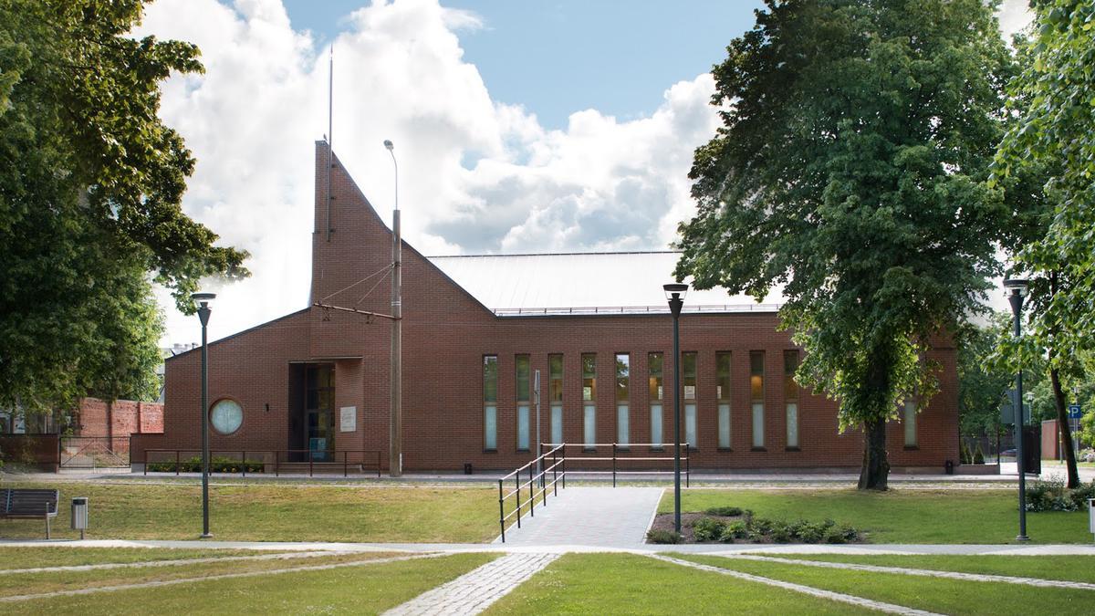Baznīca un tās vēsture Latvijā