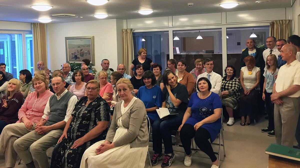 Helsinkio šventykloje lankėsi didžiausia grupė iš Lietuvos