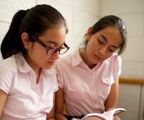 Jovencitas en su clase dominical