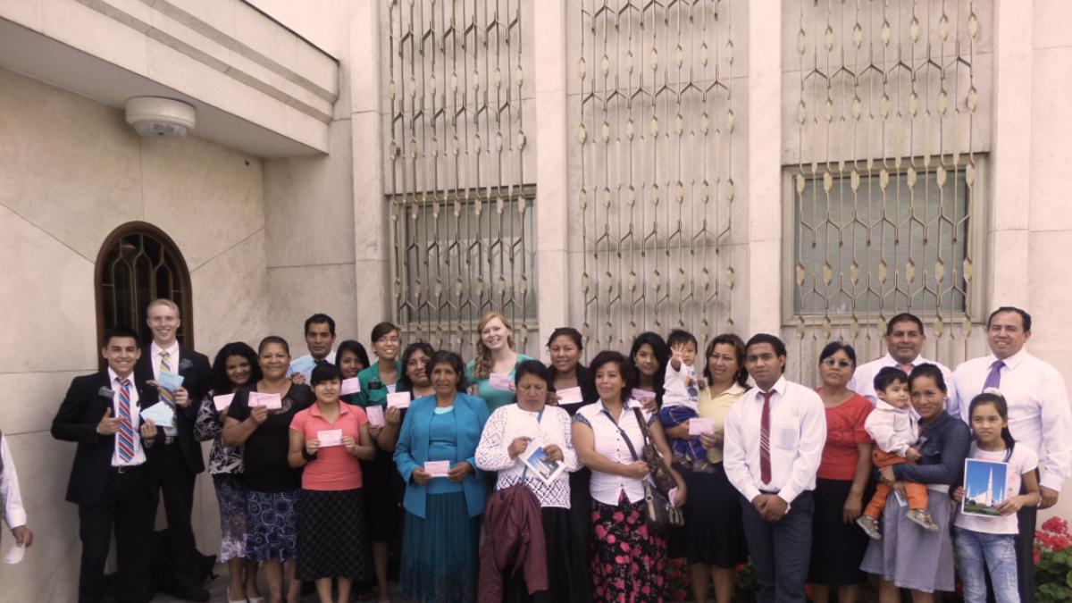 Nuevos conversos al templo en Lima Norte