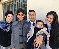 Sonia, su hijo Gonzalo, Eduardo y Yesica Tomizzi, con su hijo Mauro