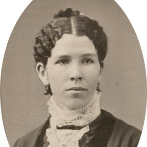 Aproximadamente en la década de 1880. Freeze se unió a la Mesa Directiva General de la Asociación de Mejoramiento Mutuo de las Mujeres Jóvenes en 1898. Trabajó en el Templo de Salt Lake así como en el Centro de información de la Manzana del Templo. También participó en el Club Femenino de Prensa de Utah.