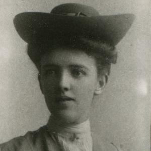 Aproximadamente en 1906. Leatham trabajó como guía en el Centro de información de la Manzana del Templo hasta 1911, cuando se casó con James Jensen. Vivieron en Bingham, Salt Lake City y Sandy, Utah, donde Leatham prestó servicio en varias presidencias de organizaciones auxiliares a nivel de barrio y de estaca.