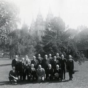 Standing, left to right: David O. McKay, Rudger Clawson, Orson F. Whitney, Anthony W. Ivins, Richard R. Lyman, Heber J. Grant, Reed Smoot, Charles W. Nibley, Sylvester Q. Cannon, George Albert Smith, Joseph Fielding Smith. Kneeling: Hyrum G. Smith, Melvin J. Ballard, Stephen L Richards, John A. Widtsoe, George F. Richards. (Church History Library, Salt Lake City. T703979 PH4100)