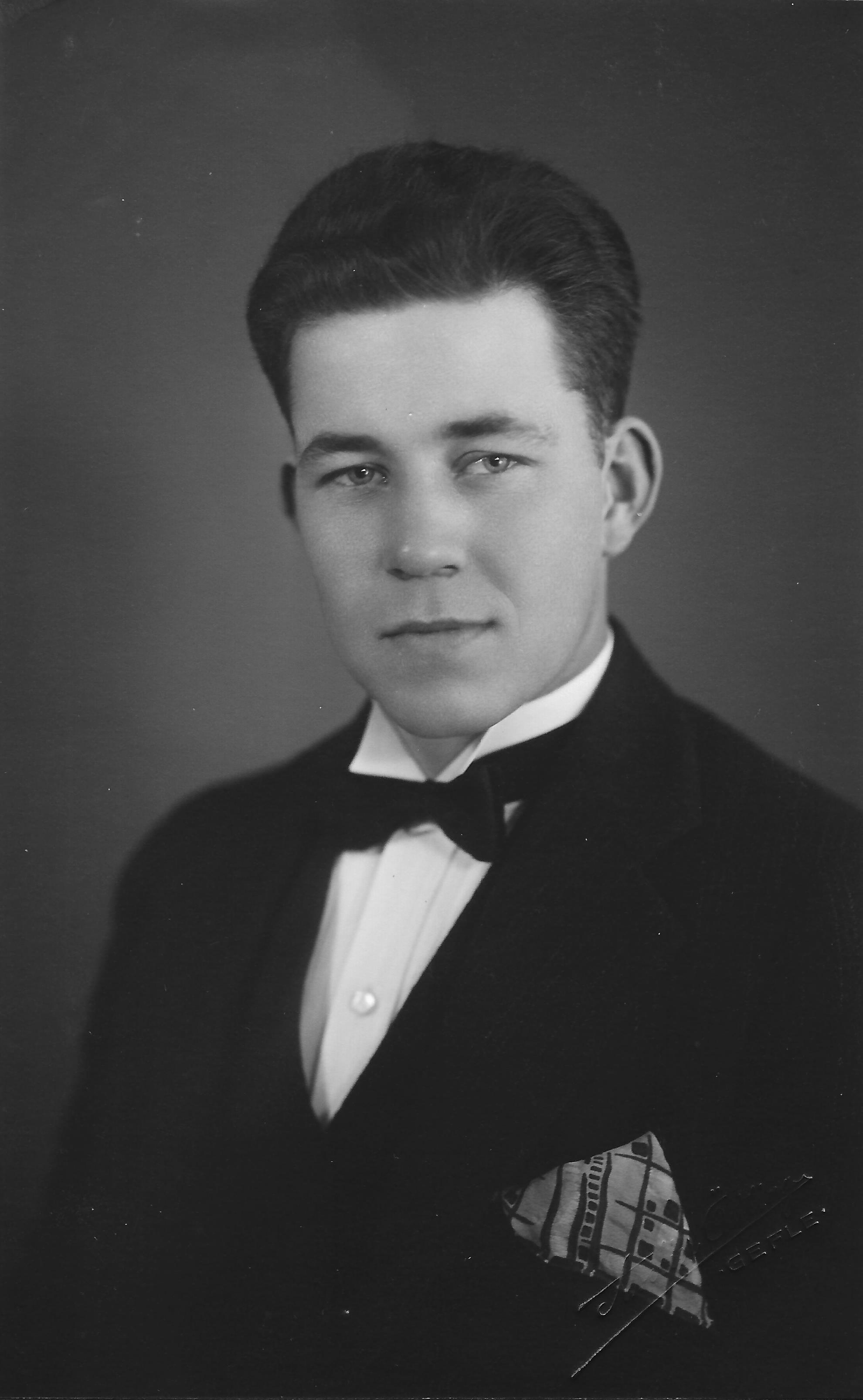 Bjorklund, Russell E
