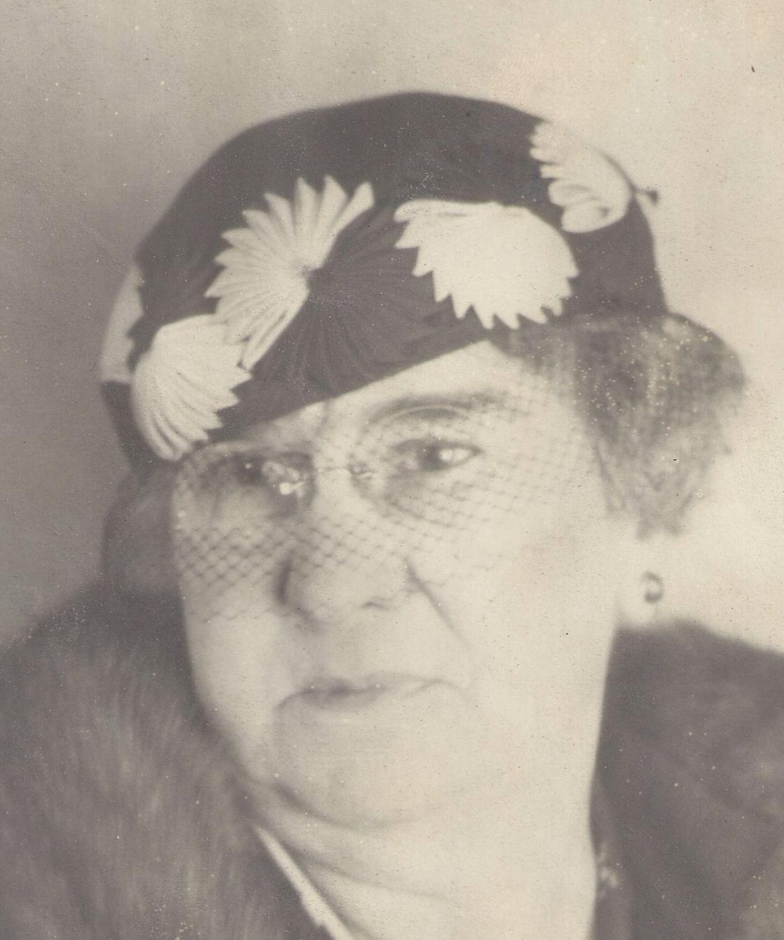 Bills, Hattie MacMartin