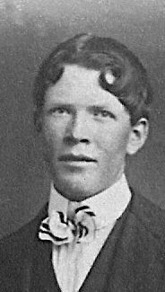 Barton, Kembur LeRoy