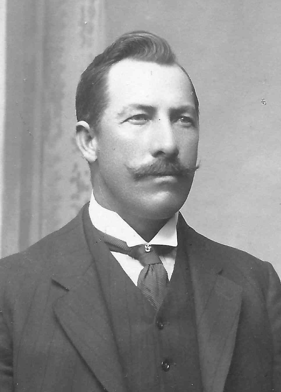 Breinholt, Louis Martin