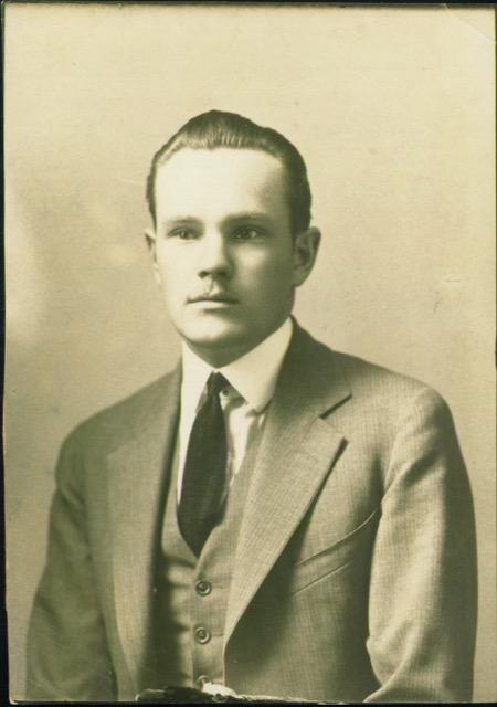 Christensen, Elwood Lowell