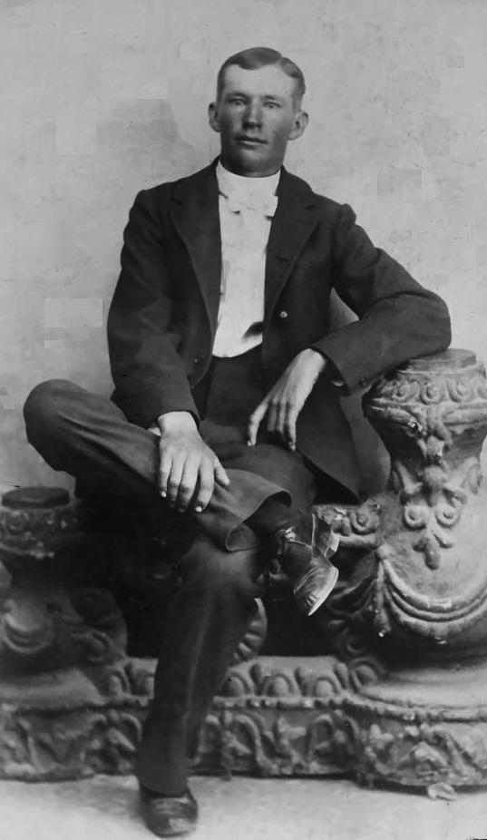Dahl, James Justenous