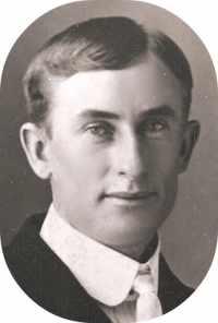 Edwards, Solon