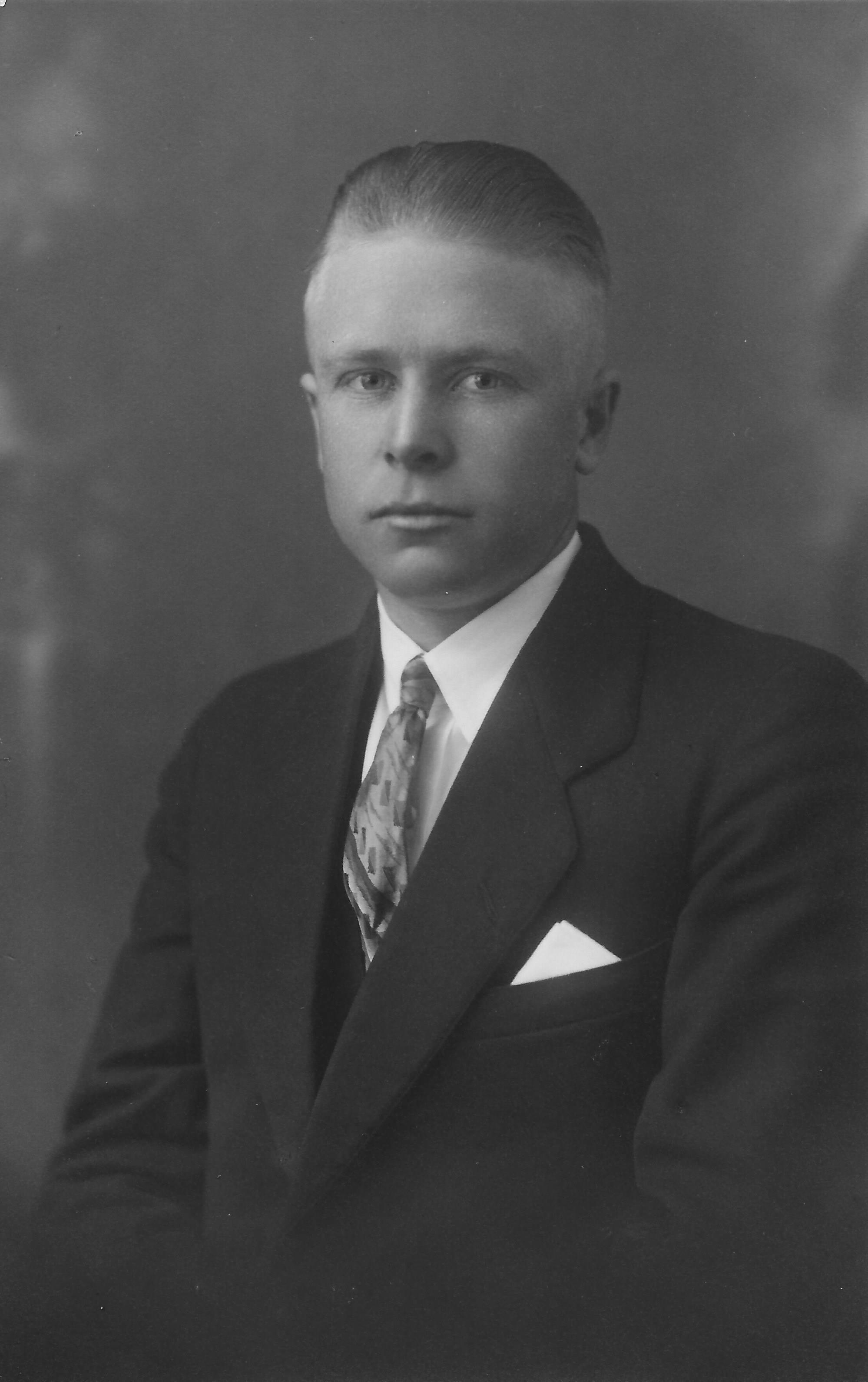 Gustafson, Clyde Roland