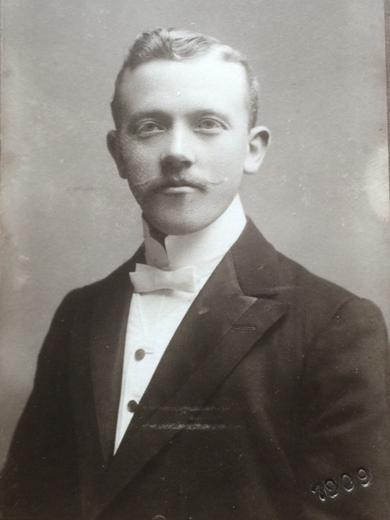 <p> ca. 1911</p>