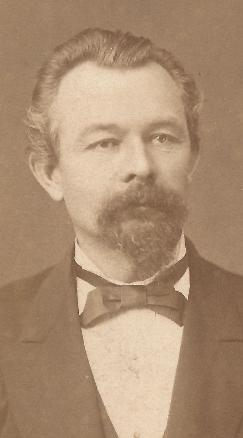 Hammer, Paul E B